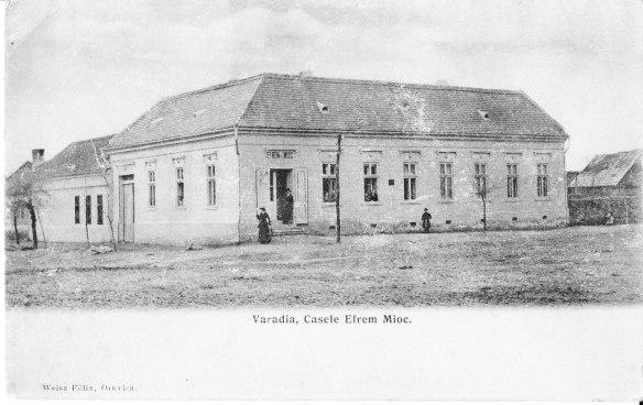 Casele Efrem Mioc din Vărădia, într-o ilustrată veche. Efrem Mioc a fost străbunicul meu